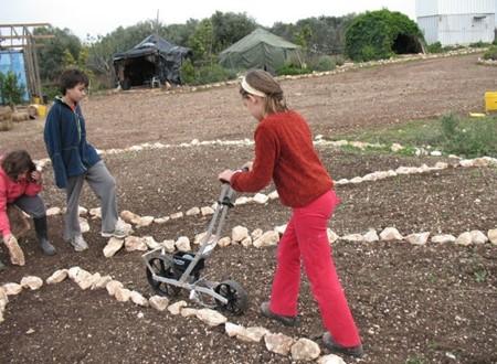 מחנה חקלאי לנוער בחופשת הקיץ